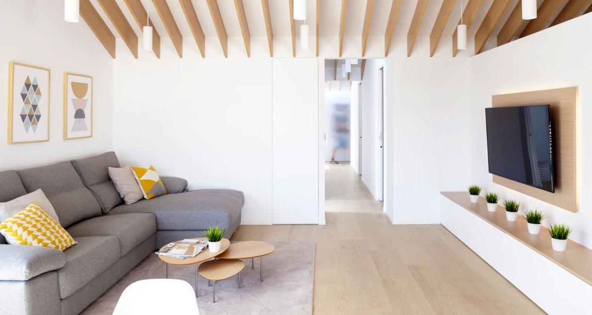 Refurbishment-Eduardo-Pablo-Muñoz-Payá-Arquitectos-sunny-interiror-6