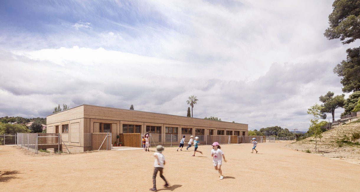 Waldorf-Steiner-El-Til·ler-School-wood-structure-3