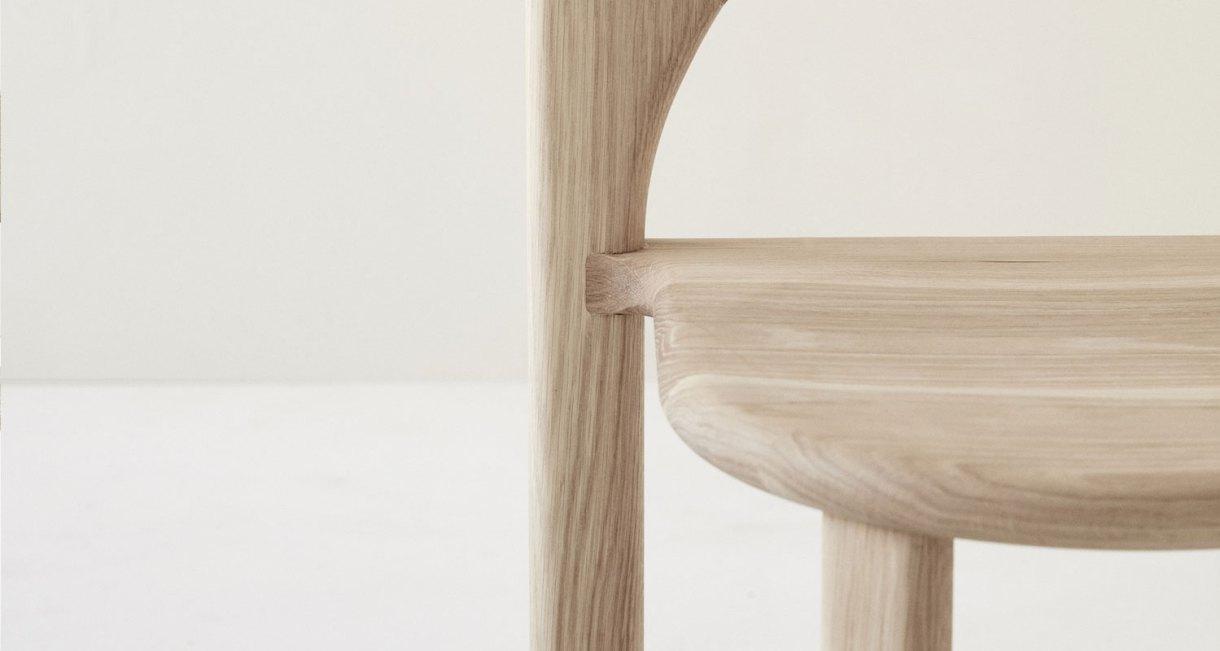 Odie-Chair-Fomu-natural-American-Oak-1
