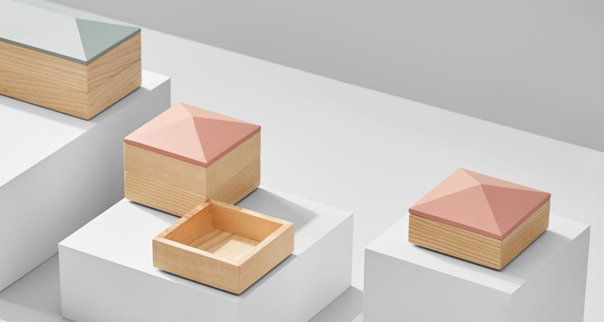 Wooden-Accessory-container-2