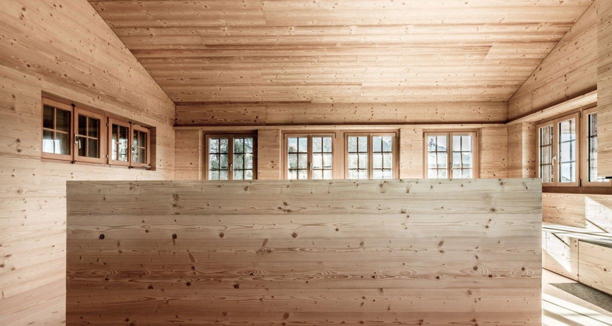 Wooden-Refurbishment-Holiday-Home-dolmus-Architekten-house-design-3