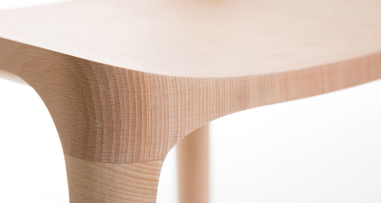 Elka-Stool-beautiful-horn-stool-oak