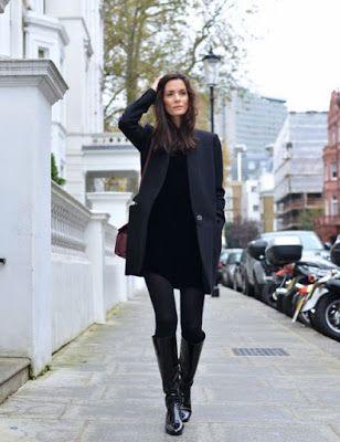 vestido negro con medias negras