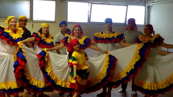 Traje Cumbia Blanco Colombia Muyska