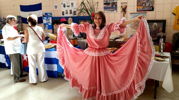 traje tipico cumbia tradicional colombia muyska