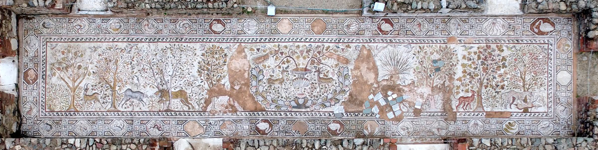 Aerial photo of the mosaic with original dimensions 21,5 x 4,7 meters