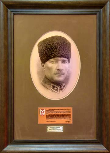 Слика од Мустафа Кемал Ататурк