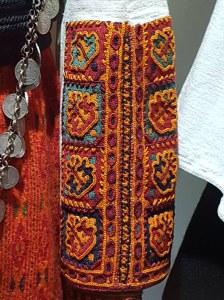 Детал од вез од ракав од женска кошула – почеток на 20 век