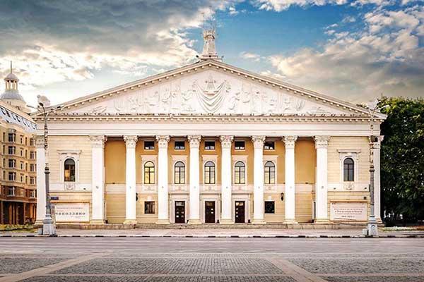 В Воронеже не нашлось желающих отремонтировать кровлю оперного театра