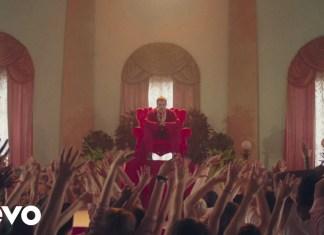 Oli Sykes z Bring Me The Horizon liderem kultu