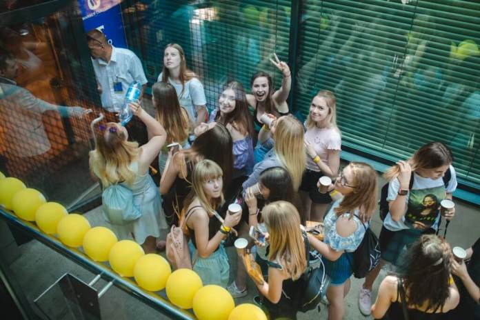 Fani w Warner Music Poland