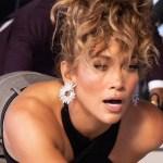 Jennifer Lopez doskonale wie, jak zwrócić na siebie uwagę