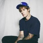 Justin Bieber zaprasza za kulisy wyjątkowego klipu