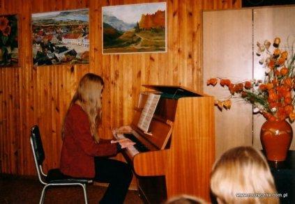 grudnia2001rokprezentacjarocznikasokoowskiegonr3przyinstrumenciejoannapartyka