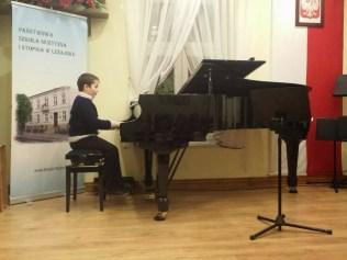Semestralny popis uczniowski w Leżajsku 015-20150130