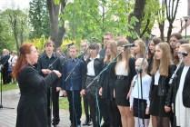 Występ uczniów NSM I st. w Sokołowie Małopolskim z okazji uroczystości 3-go Maja 11182260_833040913452659_6922348233121322985_n