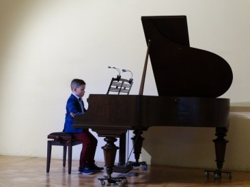 VI Przegląd Szkół Muzycznych (24-04-2016)_131