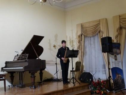 VI Przegląd Szkół Muzycznych (24-04-2016)_285