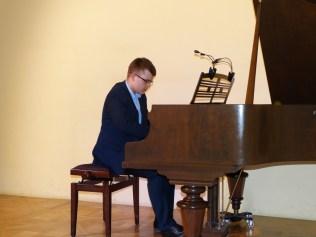 VI Przegląd Szkół Muzycznych (24-04-2016)_298