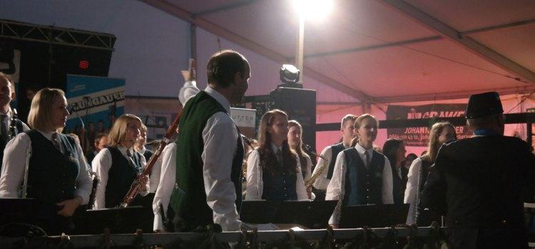 Bezirksmusikertreffen und Marschwertung Miesenbach 2015