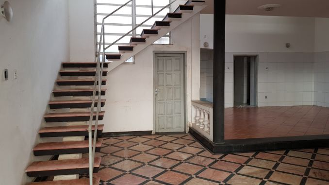Foto da casa a venda no bairro de Nazaré em Salvador, Bahia.