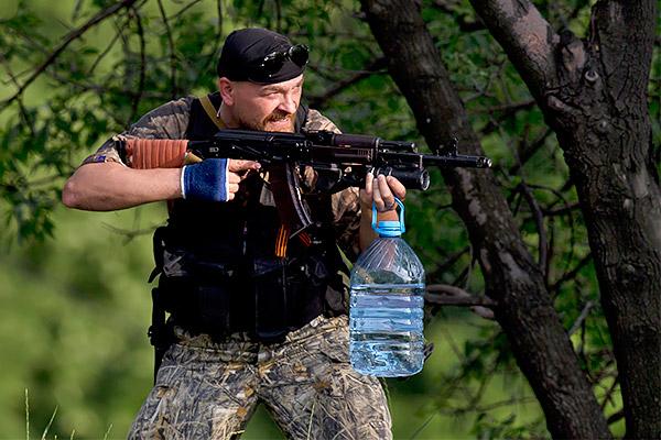 7 Donetsk Donbass Ukraine Kadyrovtsy gunmen terrorist Кто терроризирует Донецк?