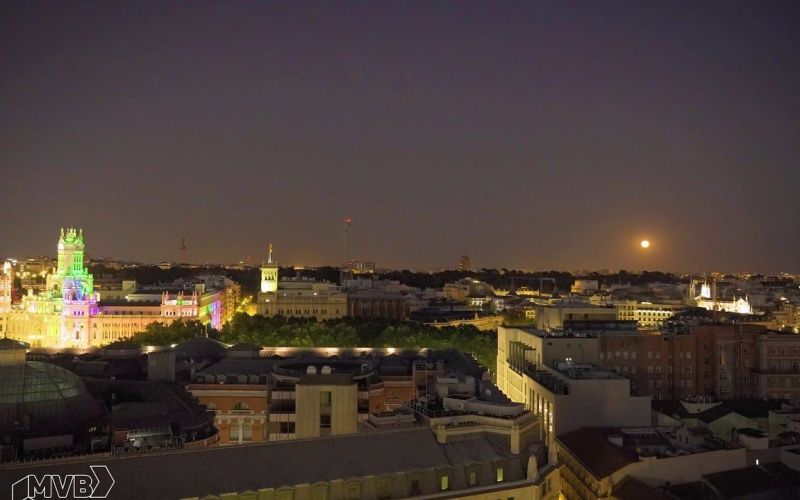 Anochecer con luna llena desde la azotea de Círculo de Bellas Artes | Timelapse | #SomosTimelapse