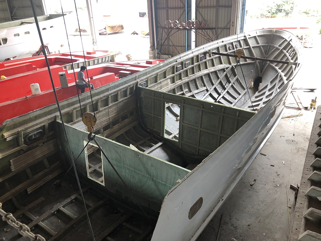Selene 60 Trawler Hull Released from the Top