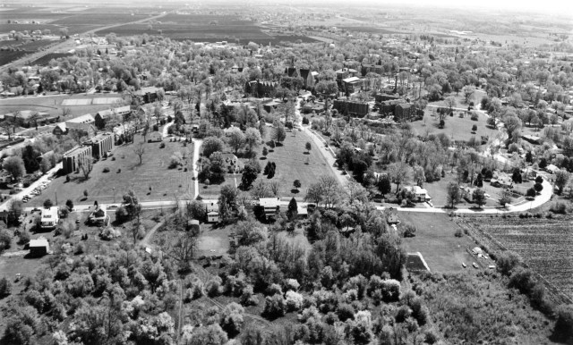 photo of Aerial Photograph of Cornell College-1975