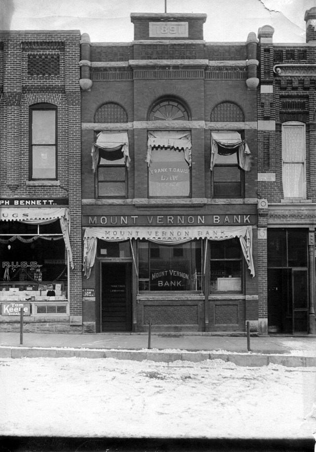 photo of Mount Vernon Bank & Trust Company