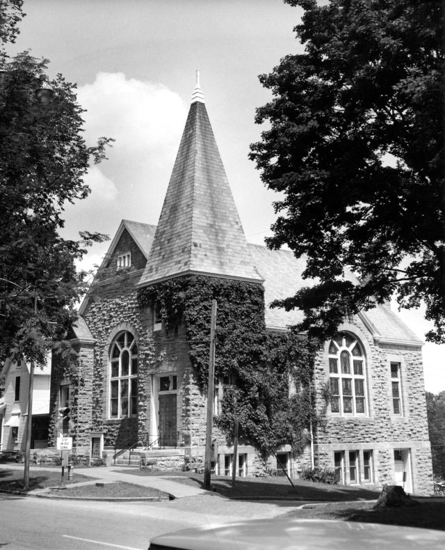 photo of Presbyterian Church