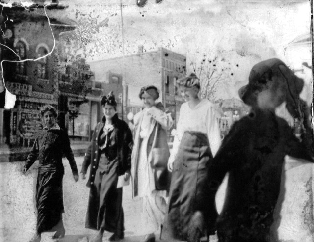 photo of Unidentified Women-1912