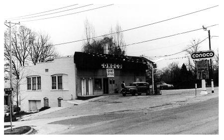 photo of Conoco Gas Station