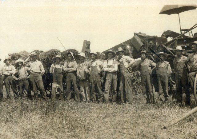 photo of Grain Threshing Crew