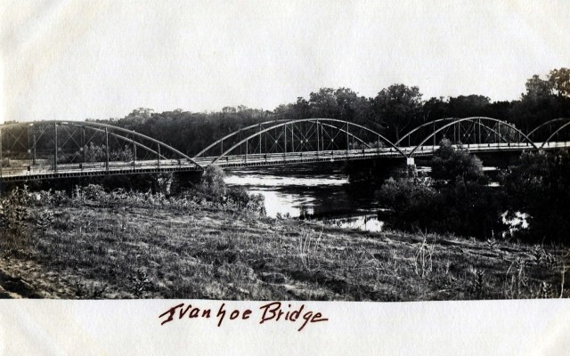 photo of Ivanhoe Bridge Postcard