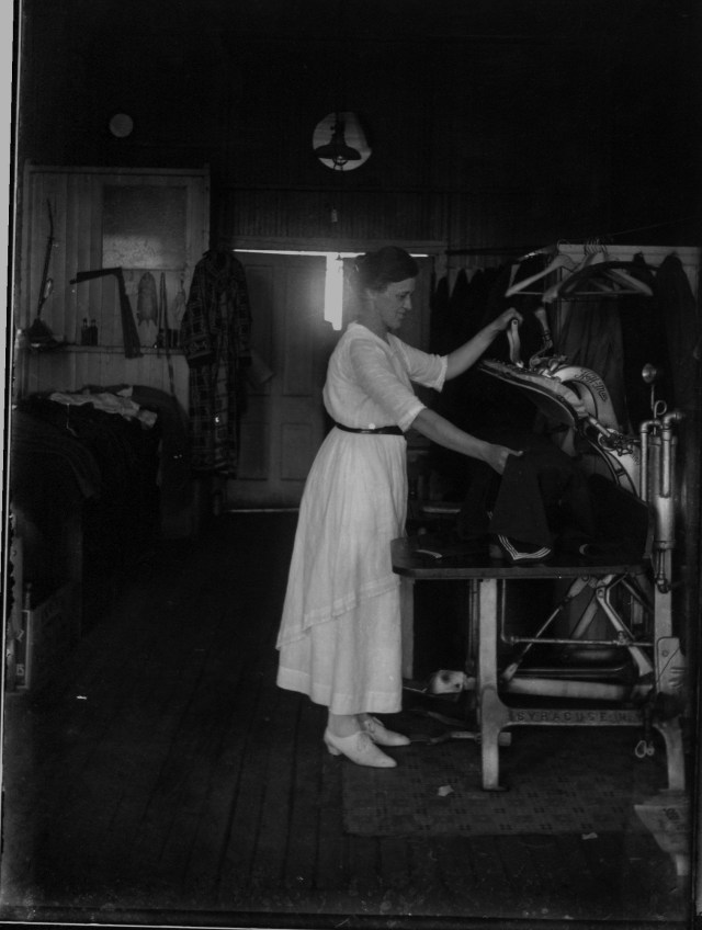 photo of Pressing Operator