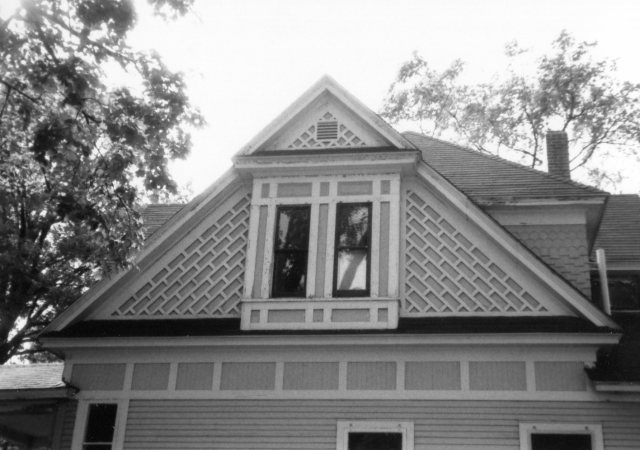 photo of house with paired windows--architectural detail