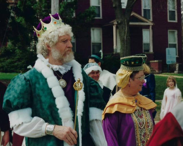 Photo of King and Queen in Memorial Park