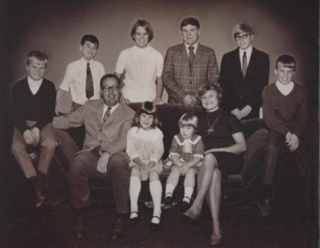 Photo of John & Betty Wolfe with their 8 children, 1970