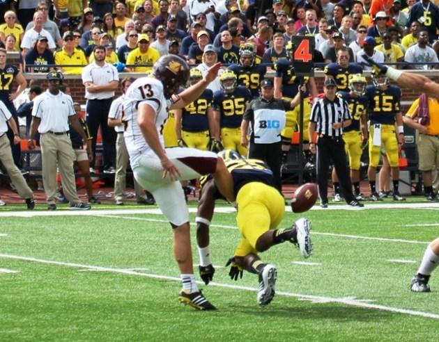 Michigan blocked kick