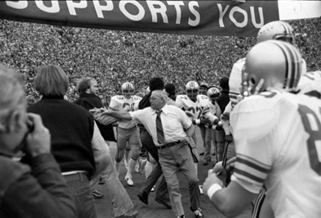 Woody Hayes banner incident 1977