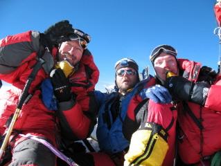 Bjorn Vandewege, Stein Tant en Stef Maginelle op top Mt.Everest