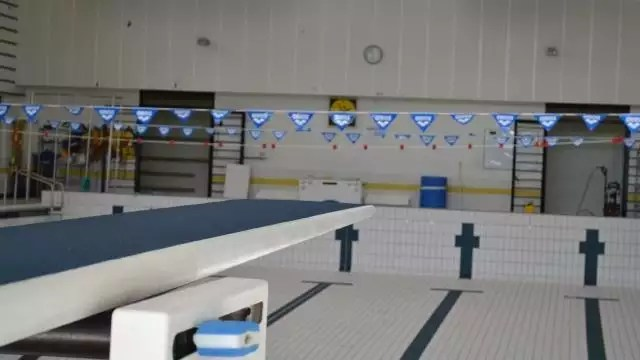 vitre la piscine du bocage est ferme