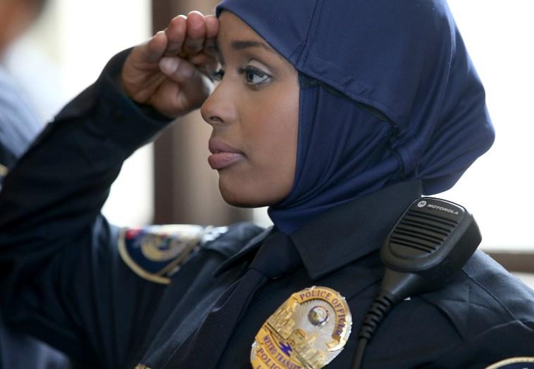 Minnesota's first hijab wearing police woman: how cool is she?   Mvslim