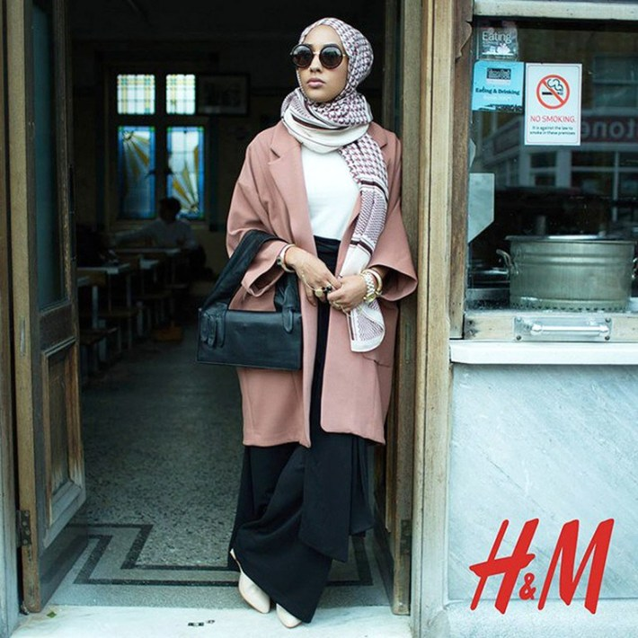 Mariah Idrissi became the first hijabi-model to be featured in an H&M campaign.