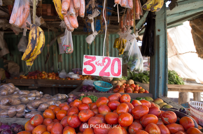 A stall selling fruits and vegetables in Dandora.