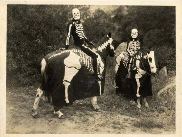vintage-halloween-costumes-skeleton-horses