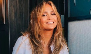 Jennifer Lopez reappears radiant and happy after her breakup with Alex Rodriguez