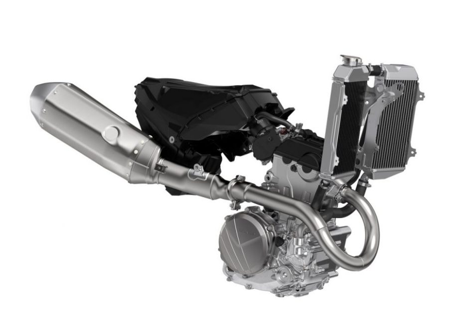 22-Honda-CRF250R_engine-admisión-radiador-escape-1200x848.jpg # asset: 44563