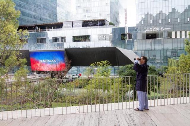 EXPOSICIONES PARA VER EN FEBRERO EN LA CDMX MUSEO JUMEX MICHAEL SMITH CUESTIONA LAS ASPIRACIONES DEL MUNDO CORPORATIVO full
